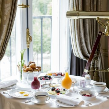 LMP-inroom-dining-square-904x904