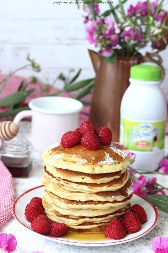 pancakes-sciroppo-dacero-e-lamponi-3